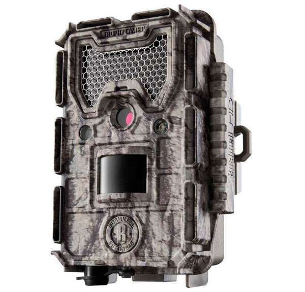 Bushnell-Trophy-cam-Aggressor-lowglow
